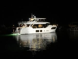 Absolute Navetta 73 Modern Boat