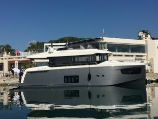 Absolute Navetta 52 covering